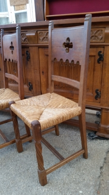 15I03 SET OF 6 GOTHIC CHAIRS (2).jpg