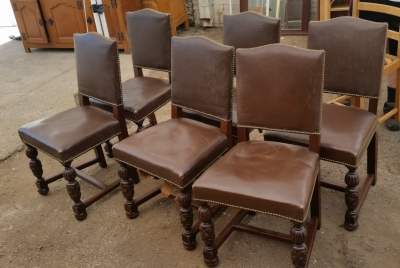 15I03 SET OF 6 TURNED LEG LEATHER CHAIRS (1).jpg