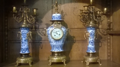 15I12  CLOCK SET WITH GARNITURES (2).jpg