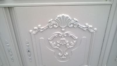 15I12  PAINTED FRENCH SIDEBOARD (2).jpg