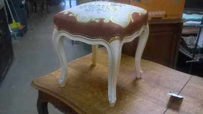 15I12  PAINTED LOUIS XV NEEDLEPOINT STOOL  (1).jpg