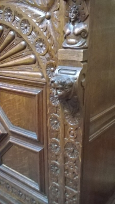 15I12  PAIR OF FRENCH MECHILIN CABINETS (4).jpg