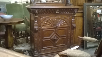 15I12  PAIR OF FRENCH MECHILIN CABINETS (8).jpg