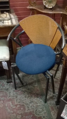 36-SET OF 4 STACKING MODERN CHAIRS (1).jpg