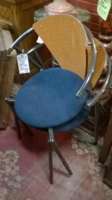 36-SET OF 4 STACKING MODERN CHAIRS (2).jpg