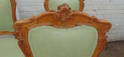 14D10009 SET OF 4 CARVED ITALIAN CHAIRS  (2).JPG