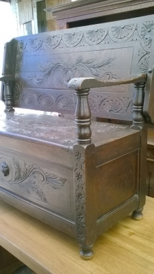 15I15 CARVED FRENCH MONKS BENCH (2).jpg