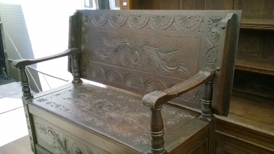 15I15 CARVED FRENCH MONKS BENCH (4).jpg