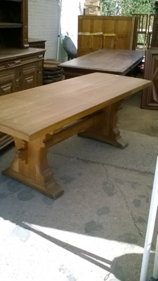 15I15 HEAVY OAK TRESTLE TABLE (3).jpg