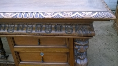 15I15 MAGNIFICENT FRENCH DESK (3).jpg