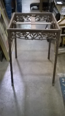 15I30 VINTAGE IRON TABLE BASE.jpg