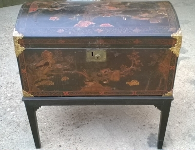 15J04103 CHINESE DECORATED DOMED TRUNK ON STAND (1).jpg
