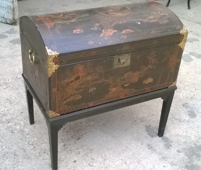 15J04103 CHINESE DECORATED DOMED TRUNK ON STAND (2).jpg