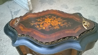 15J04104 FRENCH MARQUETRY SIDE TABLE PLANTER (2).jpg