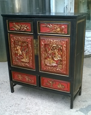 15J04110 CHINESE CARVED AND LAQUERED CABINET (1).jpg