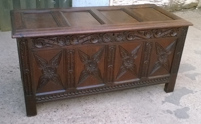15J04118 CARVED OAK PANELED COFFER (1).jpg