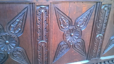 15J04118 CARVED OAK PANELED COFFER (3).jpg