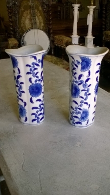 15I04601 PAIR OF BLUE AND WHITE VASES.jpg