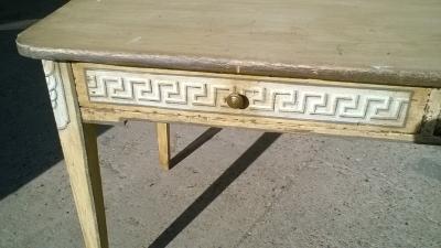 15J15 GREEK KEY PAINTED TABLE WITH 2 DRAWERS (2).jpg
