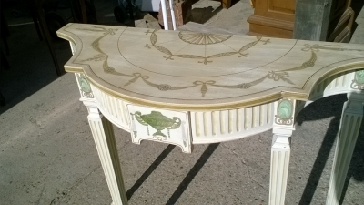 15J15 PAINTED CONSOLE (2).jpg