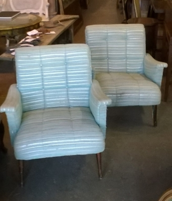 15J15 PAIR OF MIDCENTURY ARM CHAIRS (1).jpg