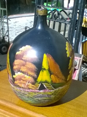 15J24 PAINTED WINE BOTTLE (1).jpg