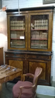 15 FRENCH BOOKCASE.jpg