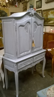 15A LOUIS XV PAINTED CABINET (5).jpg