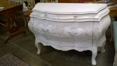 15K02 ITALIAN BOMBAY PAINTED COMMODE (2).jpg