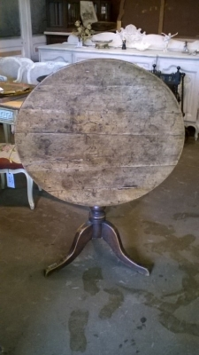 36-EARLY TILT TOP TABLE (1).jpg