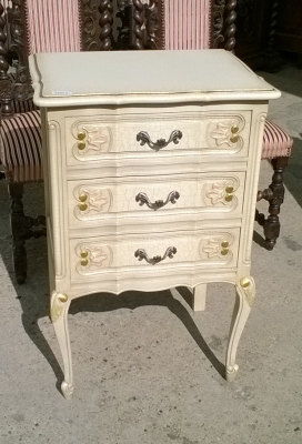 15K11300 LOUIS XV PAINTED STAND.jpg