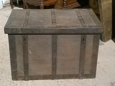15K11300 METAL STRONG BOX TRUNK (1).jpg