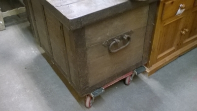 15K11300 METAL STRONG BOX TRUNK (2).jpg
