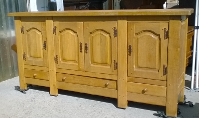 15K11300 OAK RUSTIC 4 DOOR CABINET WITH DRAWERS.jpg