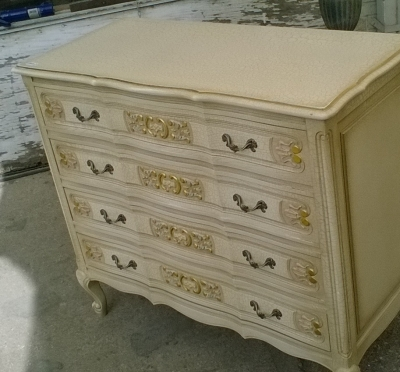 15K11300 PAINTED LOUIS XV PAINTED CHEST (2).jpg