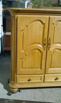 15K11300 RUSTIC 4 DOOR CABINET (2).jpg