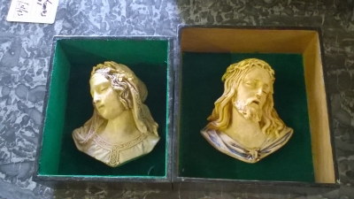 15K11 BUSTS OF JESUS AND MARY.jpg