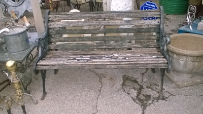 15K11 IRON AND WOOD PARK BENCH.jpg