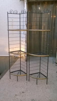 15K18010 PAIR OF CORNER BAKERS RACKS.jpg