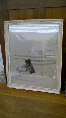 15K24519 SMALL WHITE FRAME WITH GLASS.jpg