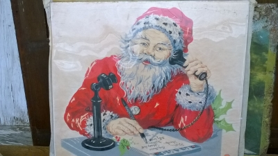 15K24521 SANTA ON THE PHONE.jpg