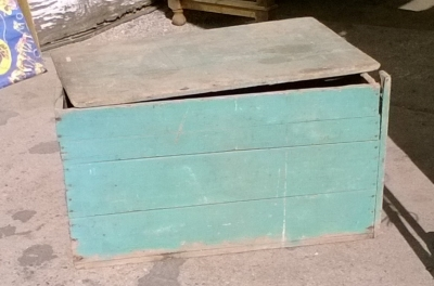 15K24528 LARGE GREEN WOOD BOX.jpg