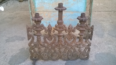 15K24551 CAST IRON 3 LIGHT CANDLE STAND.jpg