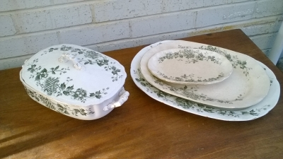 15K24582 COVERED DISH AND SERVING PLATTERS.jpg