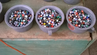 15K24608 CONTAINER OF MARBLES.jpg