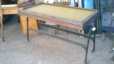 15K24613 IRON AND WOOD FELT TOP TABLE (1).jpg