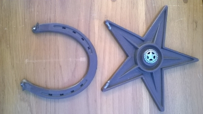 15K24670 METAL STAR AND HORSE SHOE.jpg