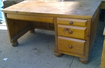15K24697 LOG CABIN DESK.jpg