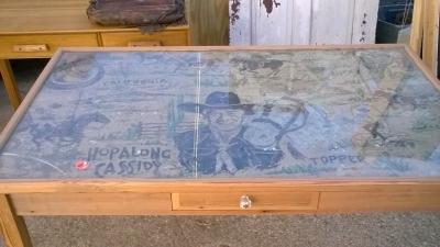 15K24705 HOPALONG CASSIDY TABLE (3).jpg