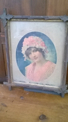 15K24733 TWIG FRAMED  LADY WEARING BONNET.jpg